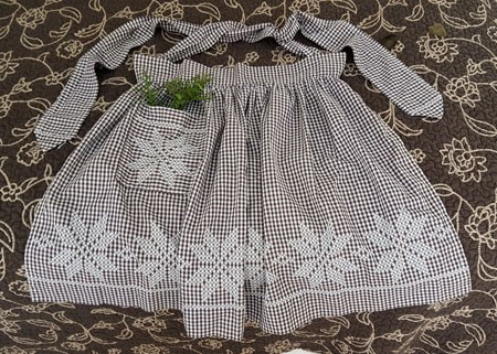 Sweet Vintage Embroidered Apron