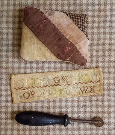 Antique Sewing Goods Lot