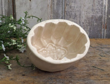 Small Oval White Ironstone Food Mold