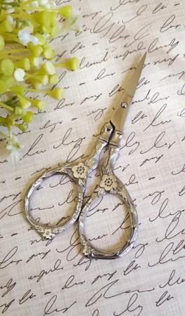 Tudor Rose Scissors - Silver